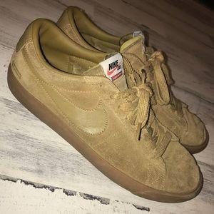 Supreme x Nike Blazer Tan Size 11